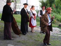 Venkovní divadelní představení Lucerna